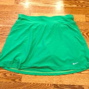 Nike tennis skirt green size medium